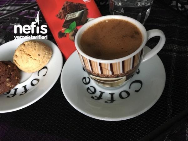 Türk Kahve  Cukulatalı Maden suyu ilen