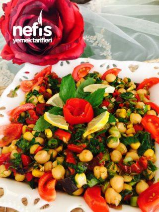 Nefis Nohut Salatası