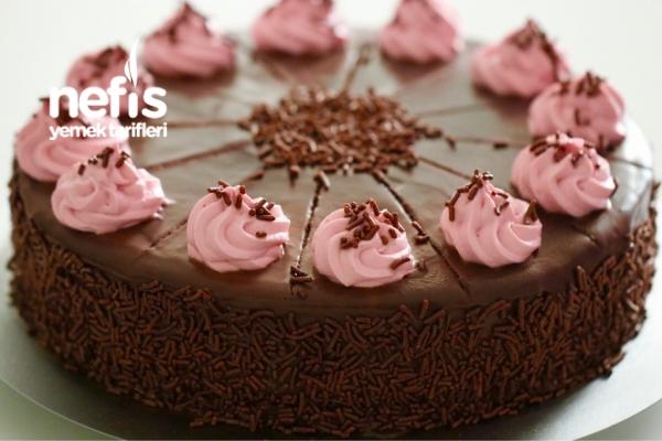 Frambuaz Kremalı Çikolatalı Pasta