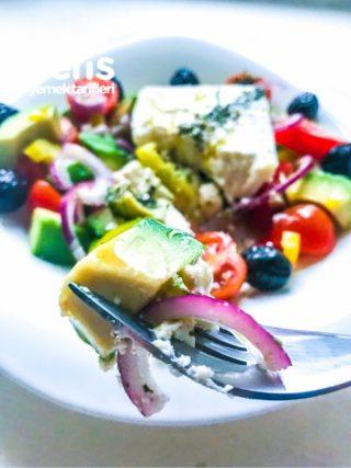 Avokadolu Yunan Salatası