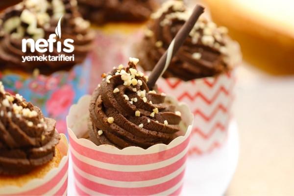 Çikolata Kremalı Cupcake