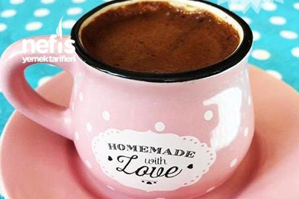 Sodalı-çikolatalı Türk Kahvesi