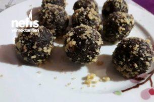 Çikolata Sosu Ve Artan Kekten Cevizli Toplar Tarifi