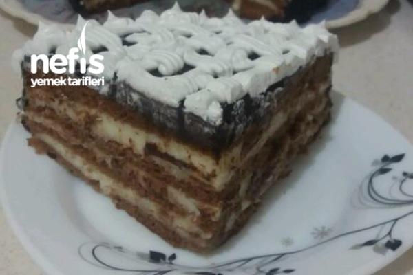 Pratik Yaş Pasta (Kesin Deneyin) Yediğim En Güzel Ev Pastasıydı Tarifi
