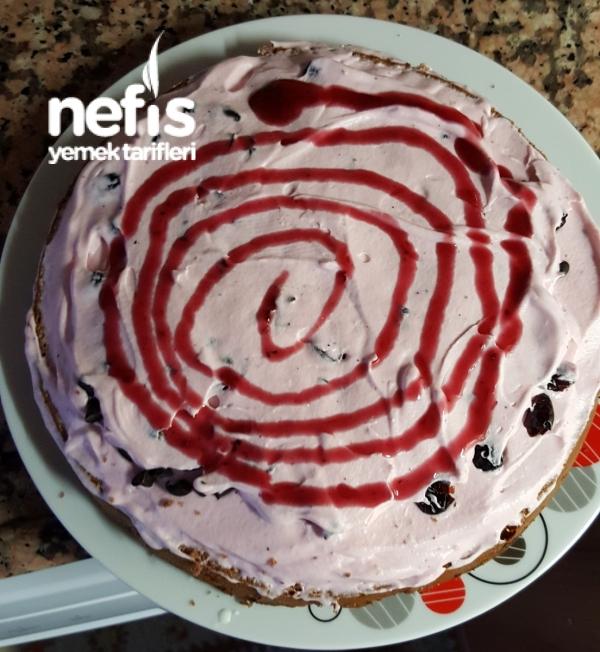 Hazır Pandispanya İle Ormanmeyveli Çikolatalı Yaş Pasta