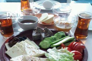 En Tatlı Pazar Kahvaltısı Tarifi