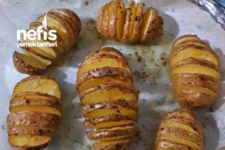 Fırında Tereyağlı Tüm Patates Tarifi