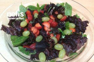 Çilek Salatası Tarifi