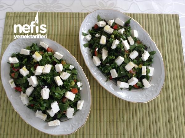 Nefis Yeşil Kahvaltı Salatası