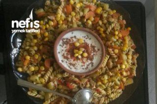 Tavuklu Nefis Salata (Patatesli Makarnalı) Tarifi