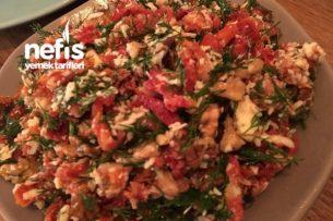 Keçi Peynirli Kuru Domates Salatası Tarifi