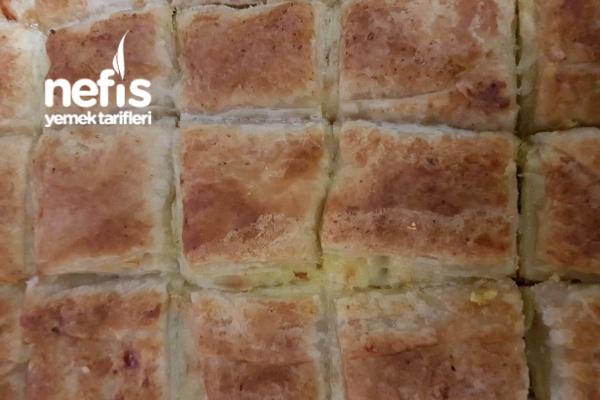 Milföylü Yufkalı Pırasalı Börek Tarifi