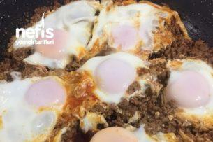 Sarımsaklı Kıymalı Yumurta Tarifi
