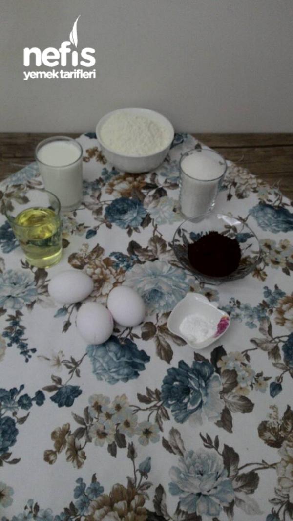 Çiğ Yumurtasız Bol Soslu Islak Kek