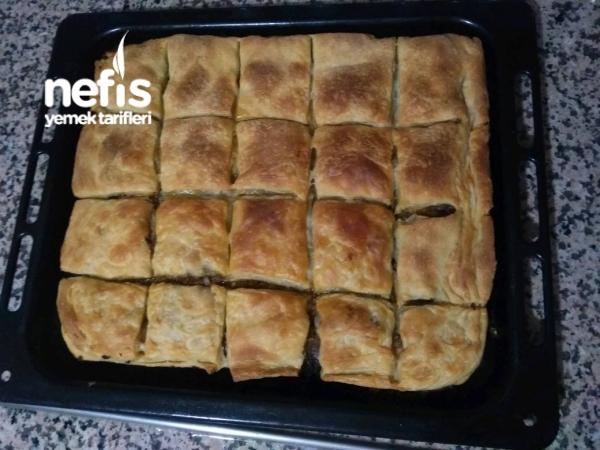 Kıymalı Patlıcan Alt Üst Böreği