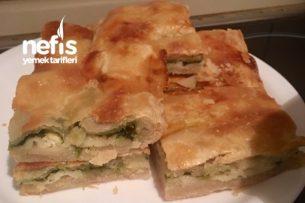 Ispanaklı Peynirli Börek (Hazır Yufkadan) Tarifi