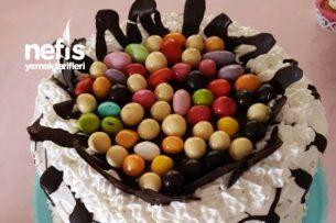 3 Katlı Kakaolu Doğum Günü Pastası Tarifi