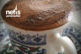 Bitter Çikolatalı Maden Sulu Bol Köpüklü Türk Kahvesi Tarifi