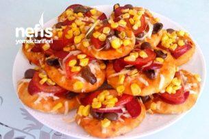 Bol Malzemeli Mini Pizza (Hamuru Yumuşacık) (Favori Edilen Tarif) Tarifi