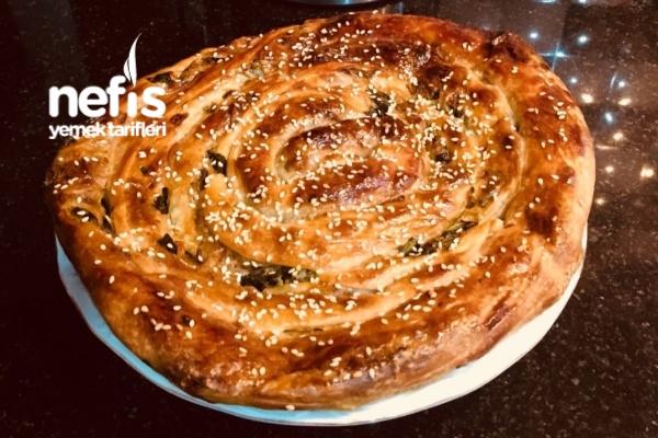 El Açması Ispanaklı Börek Tarifi