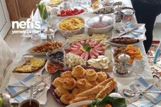 Kahvaltı Şölenimiz Tarifi