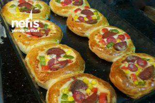 Pastane Usulü Mini Pizza (Yumuşacık) Tarifi