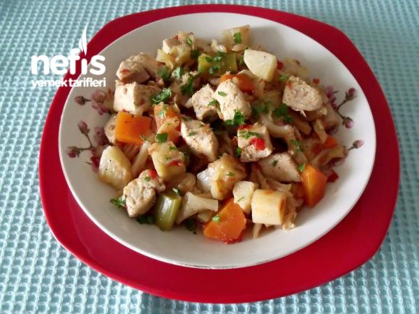 Tavuk Etli Sebze Yemeği