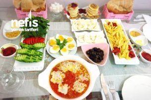 Arkadaşlar İçin Hazırlanmış Kahvaltı Masası Tarifi