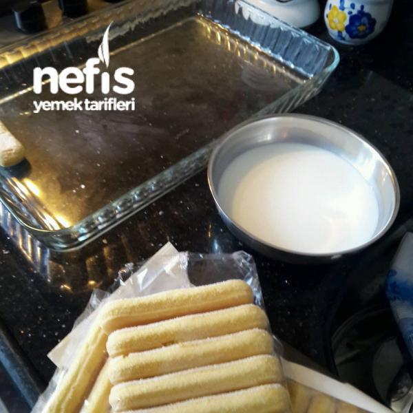 Müthiş Kremasıyla Kedidili Ekler Pasta