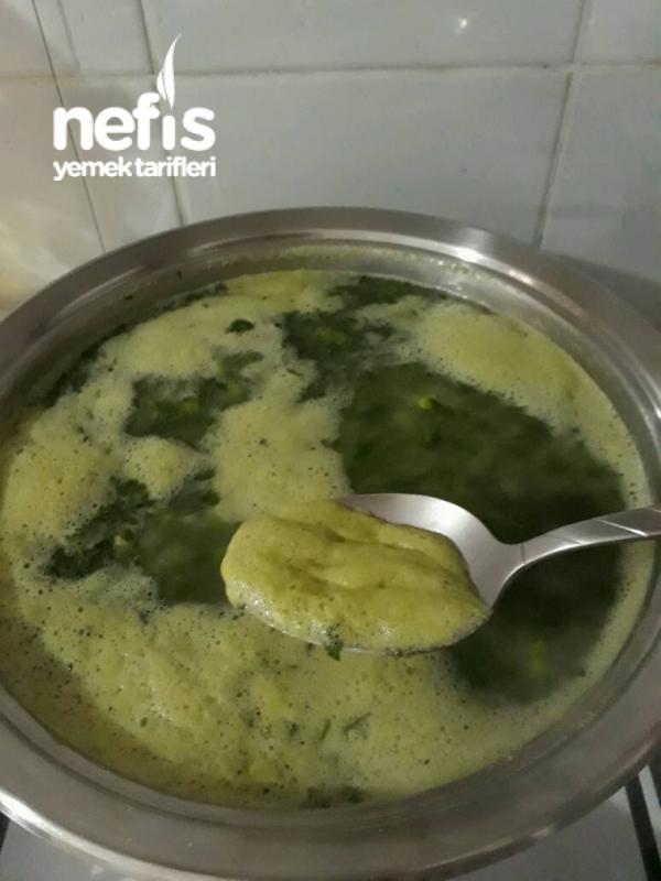 Tereyağlı Kara Lahana Çorbası