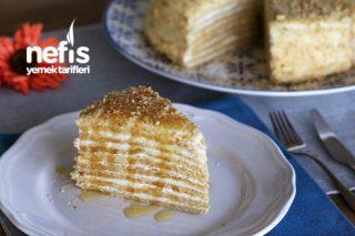 Ballı Medovik Pasta Tarifi (Videolu)