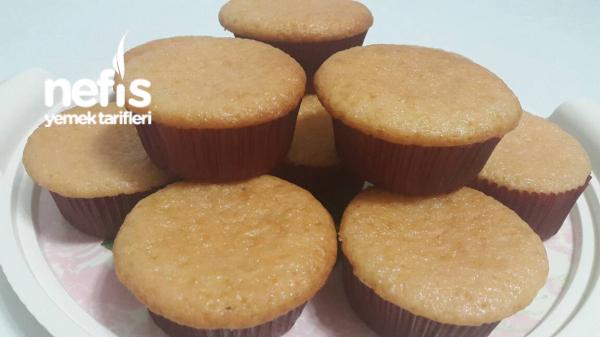 Çilekli Pudingli Muffin Kek (Yumuşacık Ve Mis Gibi Çilek Kokulu)
