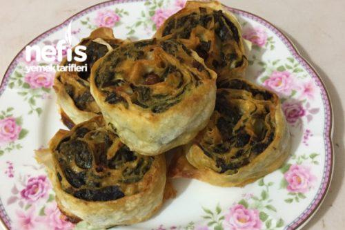 Kıymalı Ispanaklı Rulo Börek Tarifi