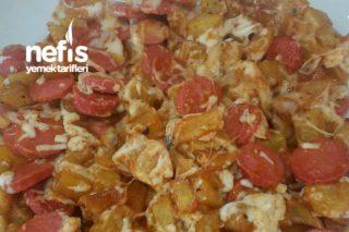 Kahvaltılık Kaşarlı Sosisli Patates Kızartması Tarifi