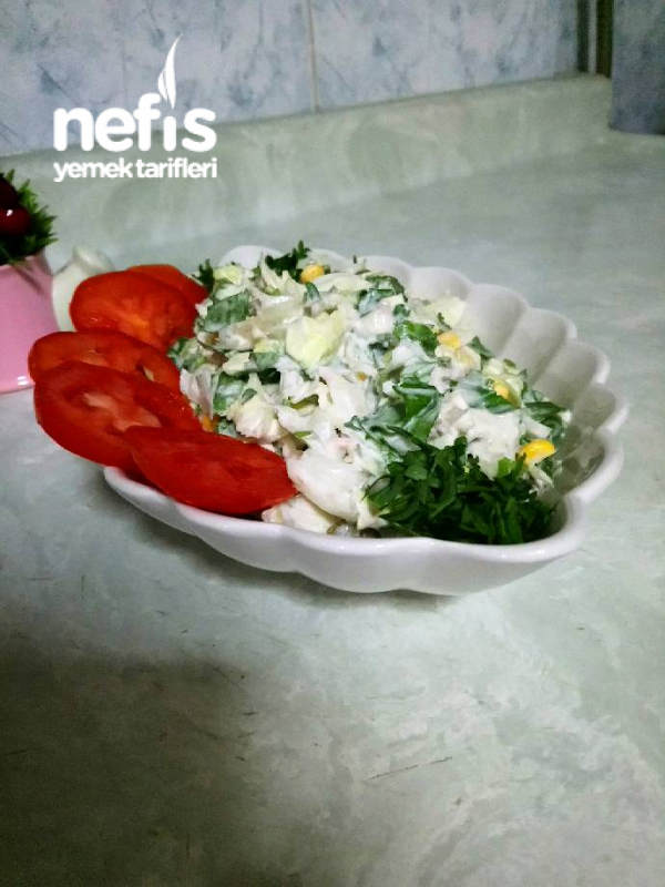 Tonbalıklı Yogurtlu Gün Salatası