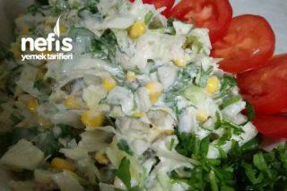 Tonbalıklı Yoğurtlu Gün Salatası Tarifi