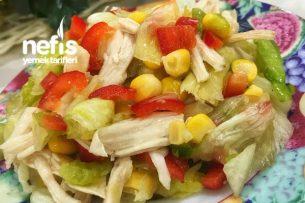 Kolay Harika Misafirlerinizin Bayılacağı Tavuklu Salata Tarifi