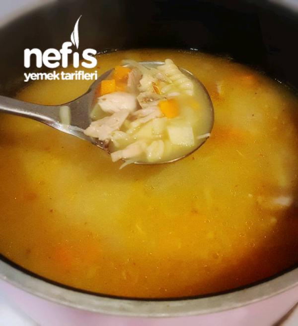 Sebzeli Makarnalı Tavuk Çorbası