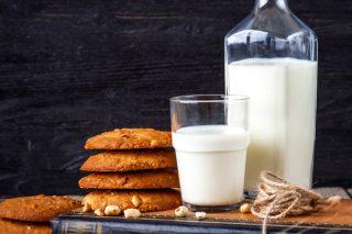 Süt Besin Değerleri, Zayıflatır Mı? Süt Detoksu Nasıl Yapılır?