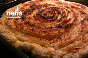 Yumuşacık Tereyağlı Patatesli Börek Tarifi