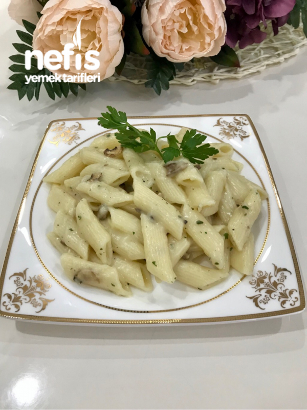 Restorantlarda Yediğiniz Kremalı Fesleğen Soslu Makarnanın Aynısı Hazır Çorba İle