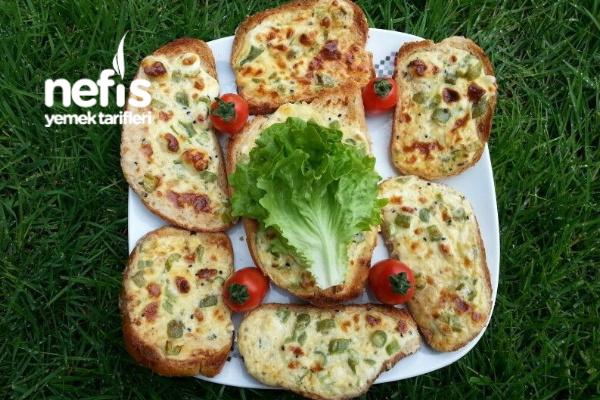 Bayat Ekmekten Kolay Börek Tarifi