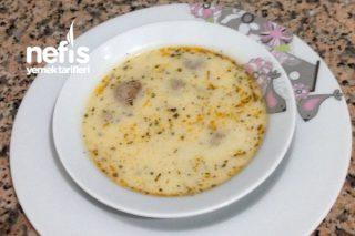 Köfteli Yoğurtlu Tarhana Çorbası Tarifi