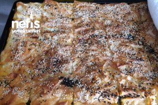 Ispanaklı Tepsi Börek (Mutlaka Denemelisiniz) Tarifi