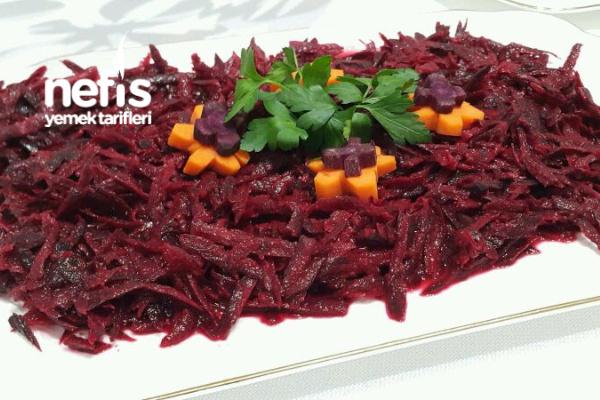 Siyah Havuç Salatası (Enfes Lezzetiyle) Tarifi