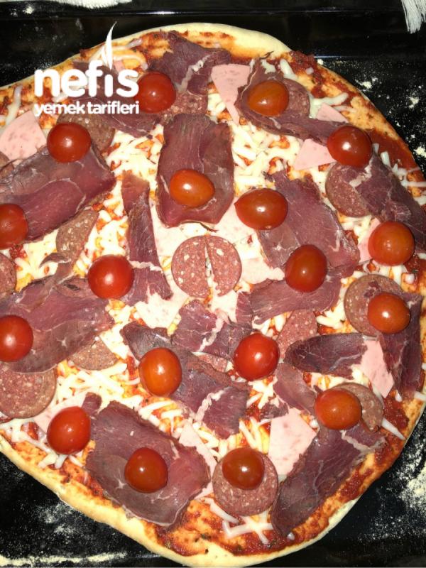 Karışık Pizza Ince Hamur Sevgililer Gününe özel 2 Kişilik Nefis