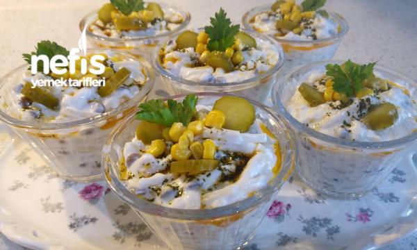 Yoğurtlu Yeşil Mercimekli Erişte Salatası