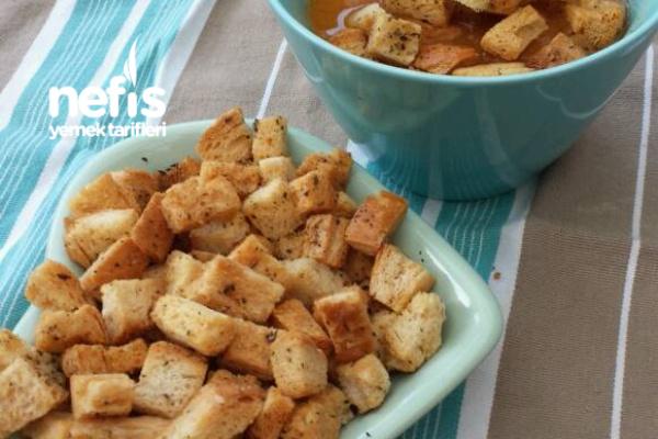 Bayat Ekmekten Çorbalar İçin Nefis Kıtırlar Tarifi