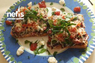 Tost Ekmeğinden Pizza Tarifi