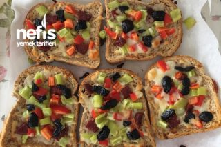 Kahvaltılık Ekmek Pizzalar Tarifi